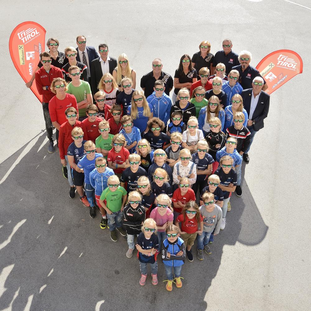 Tiroler Triathlonnachwuchs bedankt sich mit einem HERZ für den Kinder-Triathlon-Zug